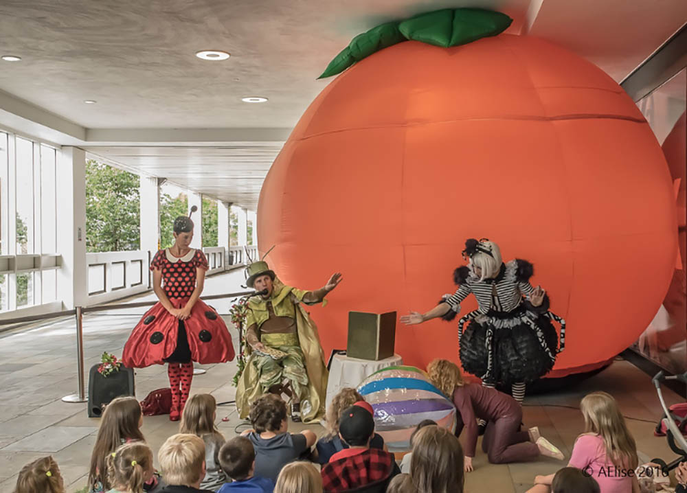 Curious Peach, the latest street theatre production by Curious Company