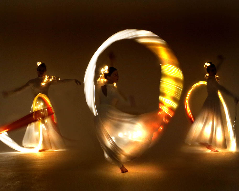 Light Emitting Dance in white with illuminated ribbons 2, Divine Company