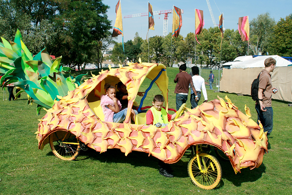 Find A Code >> The Pineapple Car - Continental Drifts