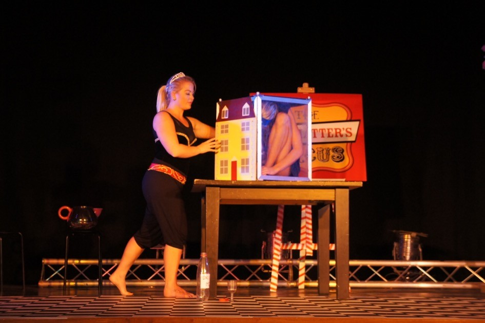 Mad Hatters Stage Contortionist Performance