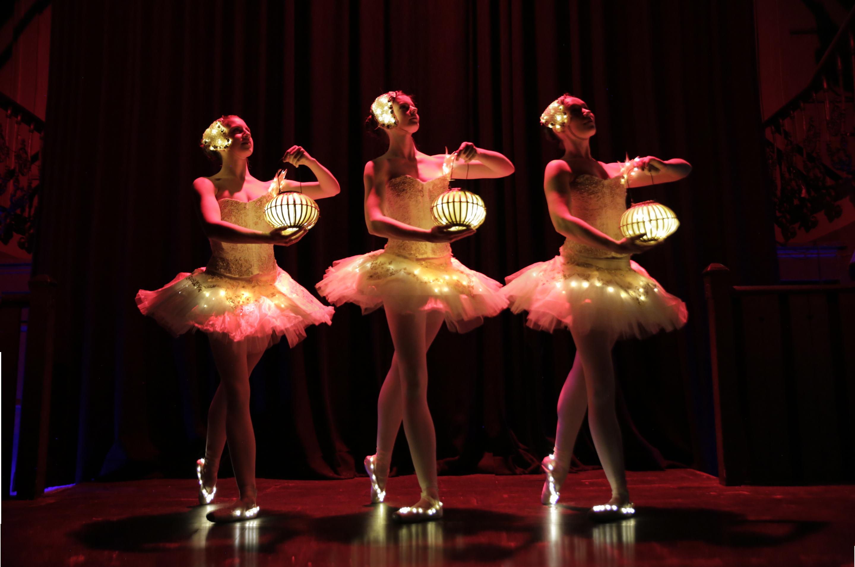 Lantern ballet performance