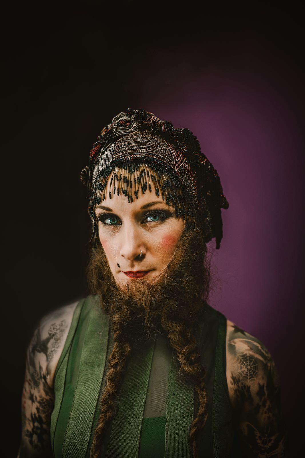 circus showman acrobat performance lady beardedlady