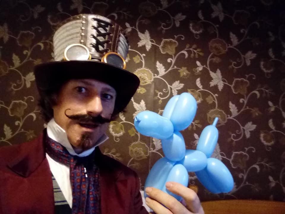 magician comedy entertainer circus balloon magic cards