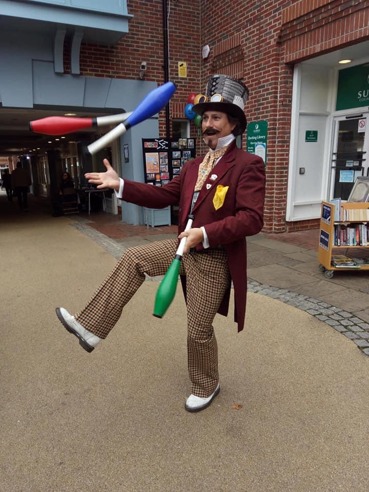 magician comedy entertainer circus balloon magic juggler
