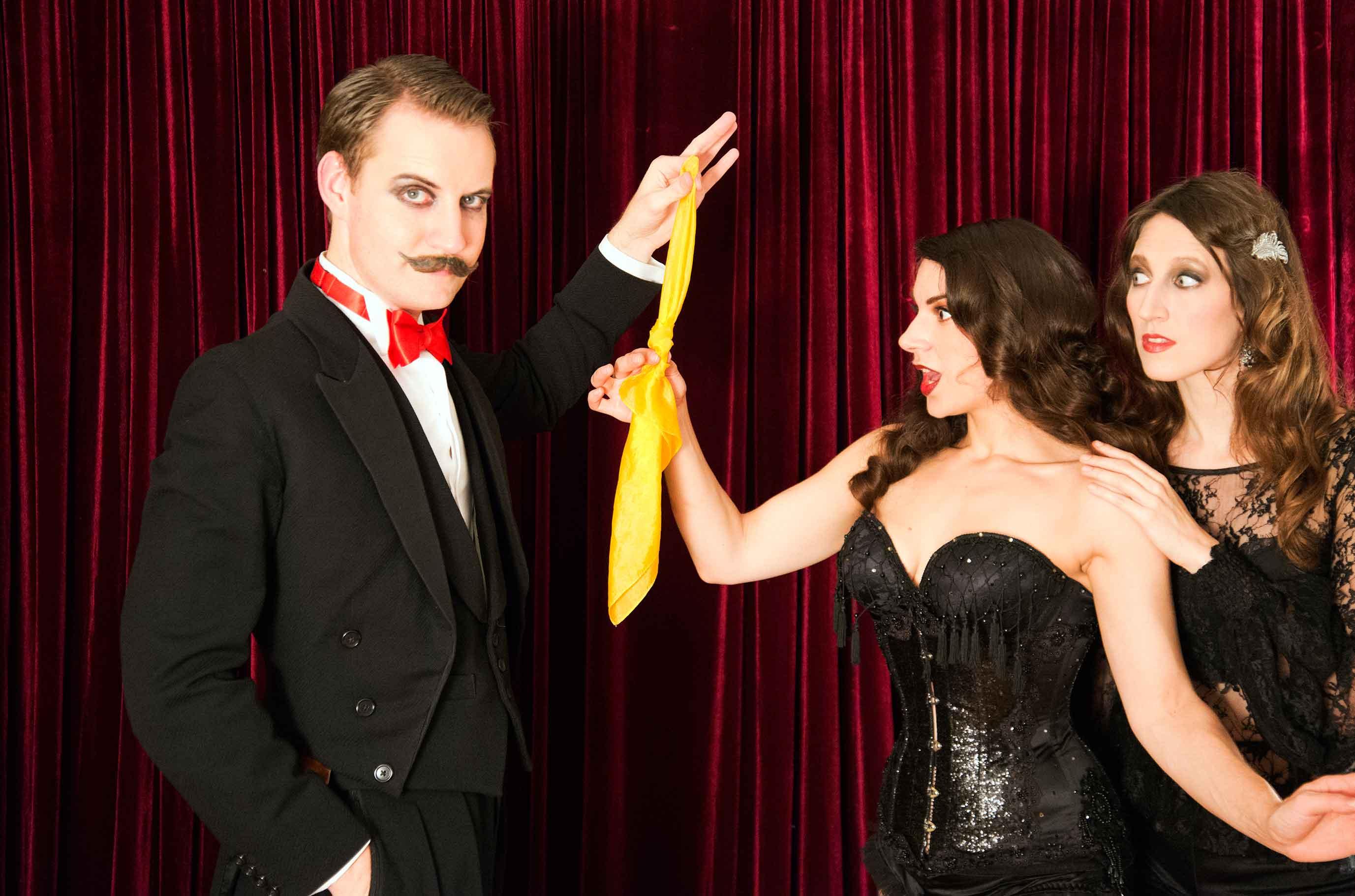 magic, walkabout, comedy, assistants, ladies, magician
