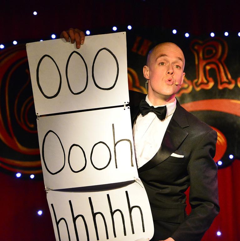 circus, vaudevillian, street theatre, comedy, silent, juggler, tricks