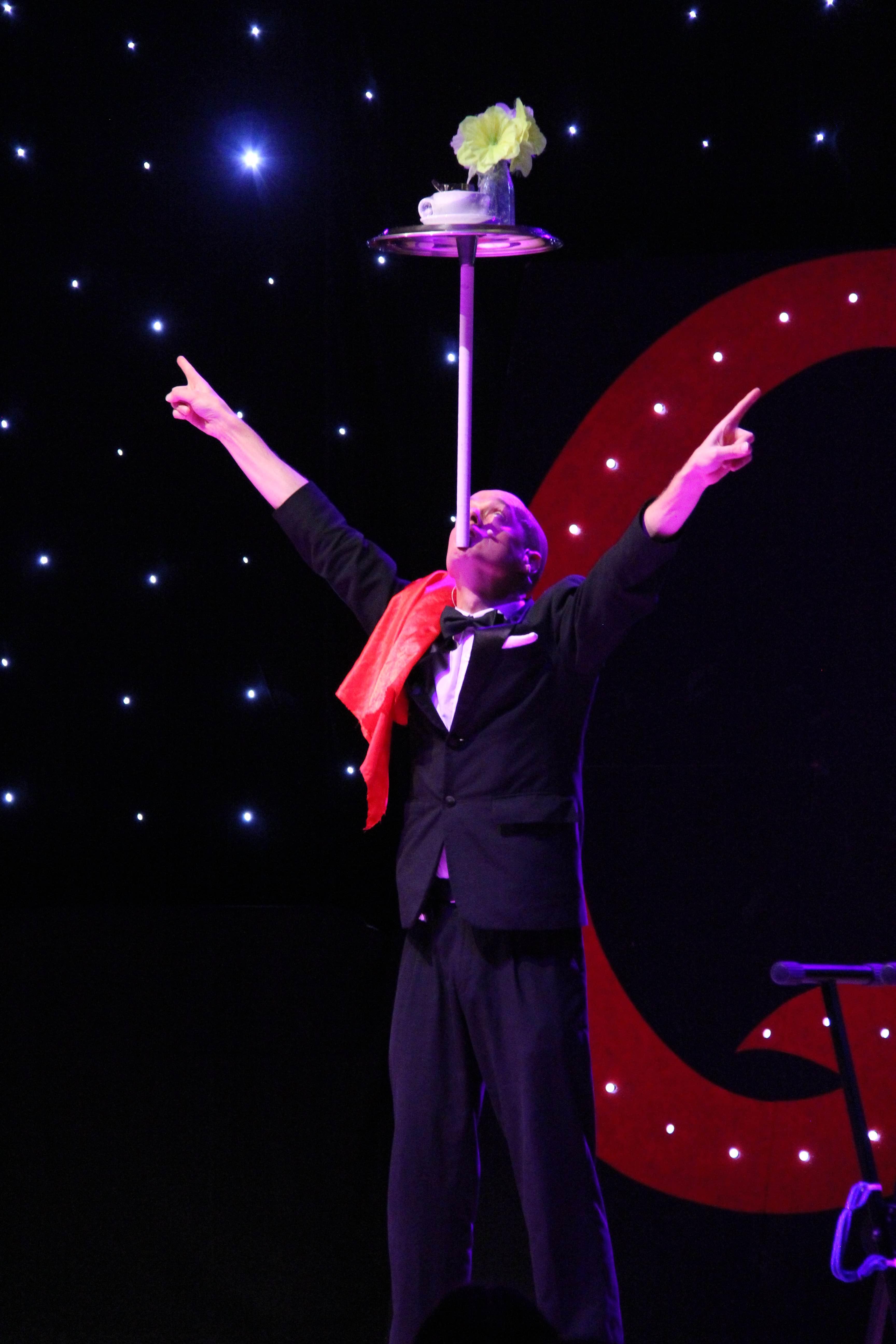 juggling, cabaret, circus, spinning, balls, gentleman